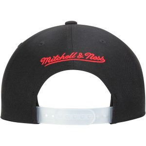 Chicago Bulls Mitchell & Ness 1990 Adjustable Snapback Hat