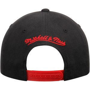 Chicago Bulls Mitchell & Ness Morbido Slouch Snapback Adjustable Hat