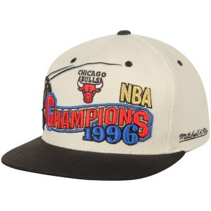 Chicago Bulls Mitchell & Ness 1996 NBA Champs Commemorative Snapback Hat