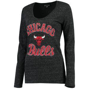 Chicago Bulls New Era Women's Distressed Logo Tri-Blend Long Sleeve T-Shirt