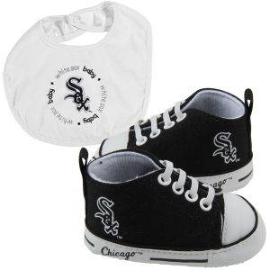 Chicago White Sox Newborn & Infant Bib and Shoe Gift Set
